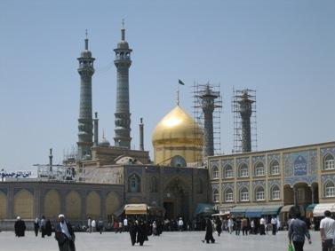 מקדש פטימה מעצומה בעיר קום (תצלום: ויקיפדיה)