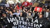 טוניסאים חוגגים בצרפת את נפילת משטר הנשיא בן-עלי (צילום: marcovdz, רשיון cc-by-nc-nd-2.0)