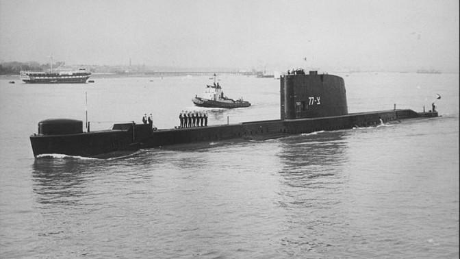 """יציאת אח""""י דקר לדרך בנמל פורטסמות', 9.1.1968. התמונה באדיבות מוזיאון העפלה וחיל הים"""