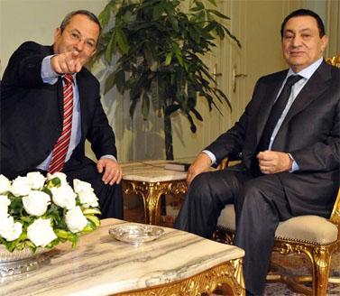 שר הבטחון אהוד ברק בפגישה עם הנשיא המצרי, אתמול (צילום: אריאל חרמוני, משרד הבטחון)