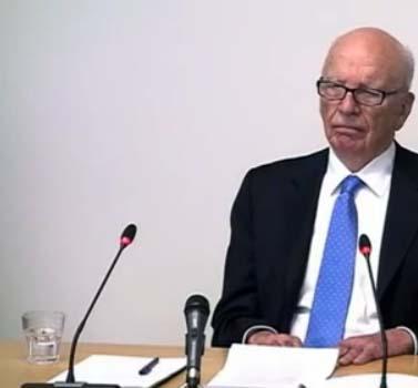איל התקשורת רופרט מרדוק מעיד בפני ועדת לווסון, בשבוע שעבר (צילום מסך)