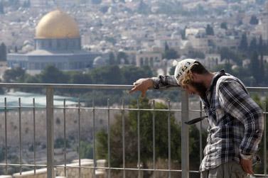 הלוויית בני הזוג יצחק וטליה איימס, אתמול בהר הזיתים בירושלים (צילום: דוד ועקנין)