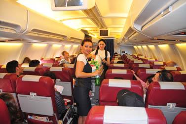 במטוס היוצא מישראל לטורקיה (צילום: שי לוי)