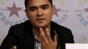 """חוזה אנטוניו ורגאס מרצה על עבודתו ב""""וושינגטון פוסט"""" בכנס בוושינגטון, יולי 2008 (צילום: קמפוס פרוגרס, רשיון cc)"""