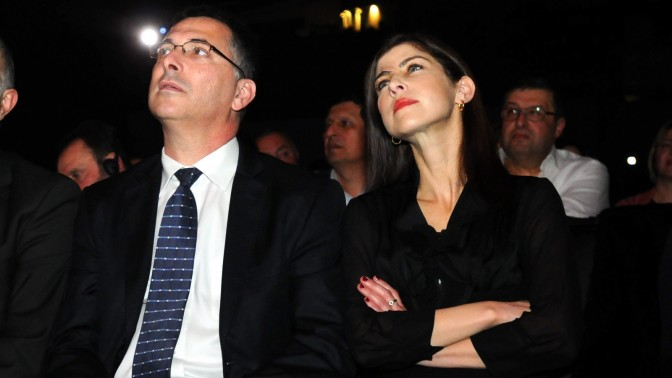 העיתונאית גאולה אבן והשר גדעון סער בקונגרס יהודי בוכרה ה-13, 13.1.13 (צילום: יוסי זליגר)