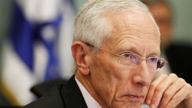 נגיד בנק ישראל סטנלי פישר, בוועדת הכספים של הכנסת. 29.4.13 (צילום: מרים אלסטר)