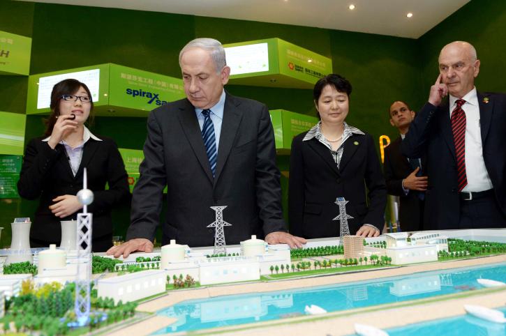 """ראש הממשלה בנימין נתניהו בביקור בתערוכת טכנולוגיה, אתמול בשנגחאי, סין (צילום: אבי אוחיון, לע""""מ)"""