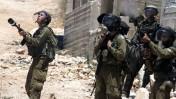 """חיילי מג""""ב בעימות עם פלסטינים ליד שכם, שלשום (צילום: עיסאם רימאווי)"""