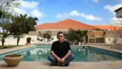 יעקב שחם בביתו שבקיסריה, 12.4.2013 (צילום: מתניה טאוסיג)