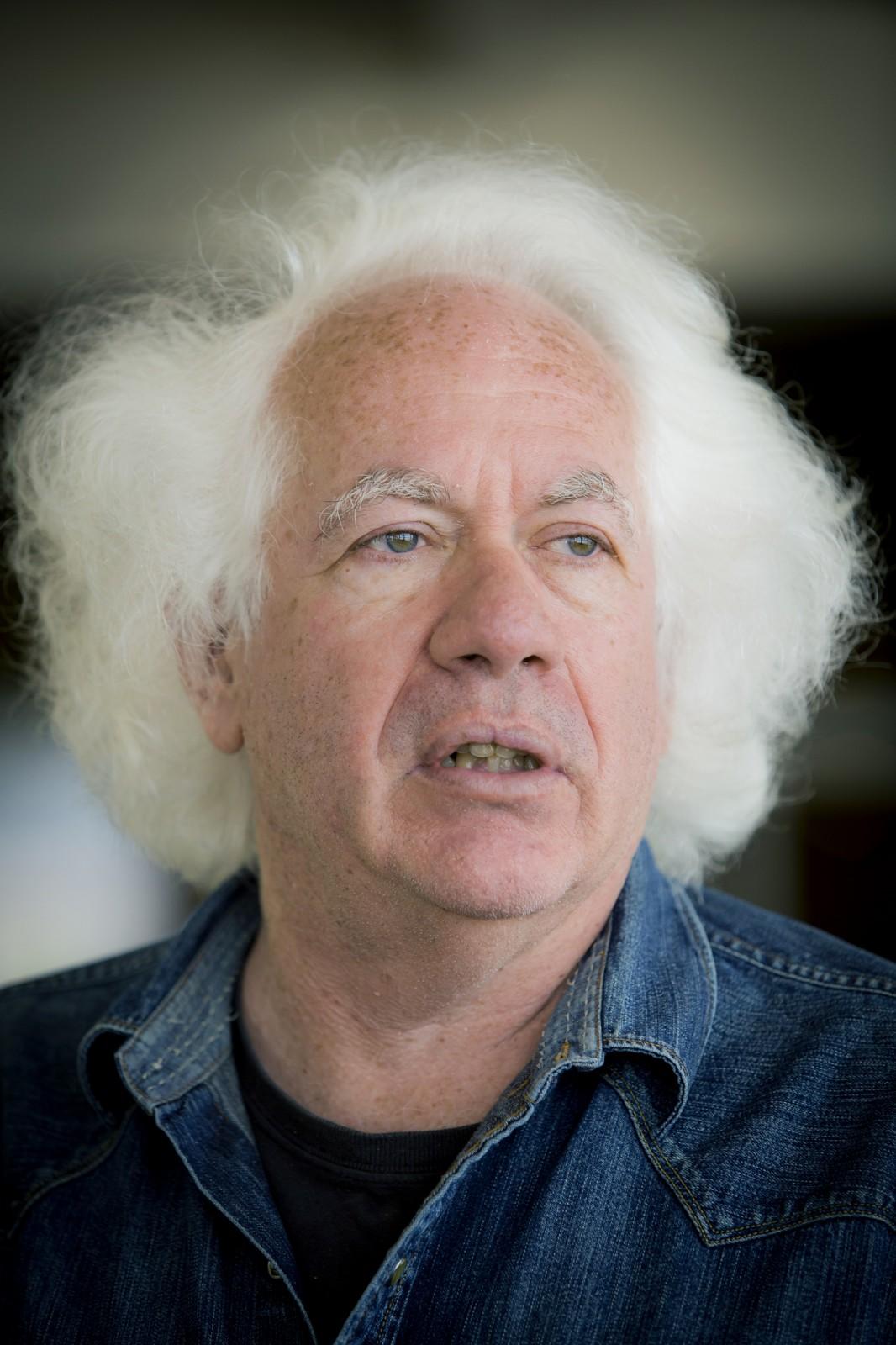"""ליאון ויזלטיר, העורך הספרותי של ה""""ניו-ריפבליק"""". תל-אביב, יוני 2013 (צילום: משה שי)"""