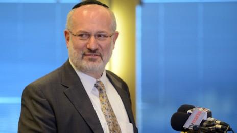 אדוארדו אלשטיין, במסיבת עיתונאים בתל-אביב (צילום: יוסי זליגר)