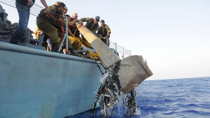 """הרמטכ""""ל בני גנץ בצילום תדמית, אתמול בלב ים (צילום: דובר צה""""ל)"""