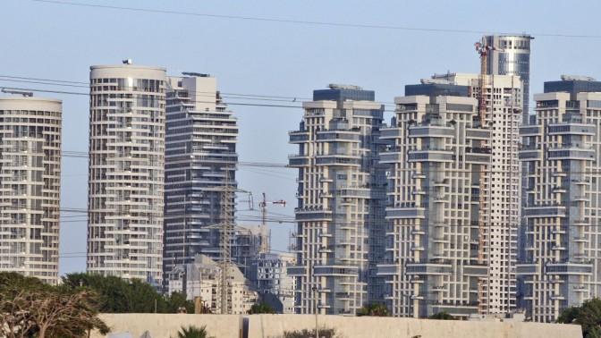קו הרקיע של תל-אביב, 12.7.09 (צילום: אביר סולטן)