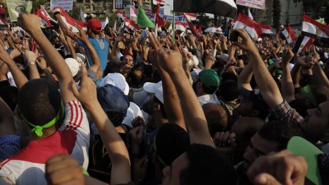 הפגנת תמיכה בנשיא מוחמד מורסי, קהיר 21.6.13 (צילום: Mohamed Elsayyed / Shutterstock.com)