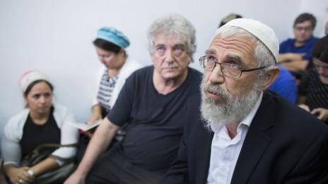 הרב מוטי אלון בבית-המשפט בירושלים. 7.8.13 (צילום: פלאש 90)