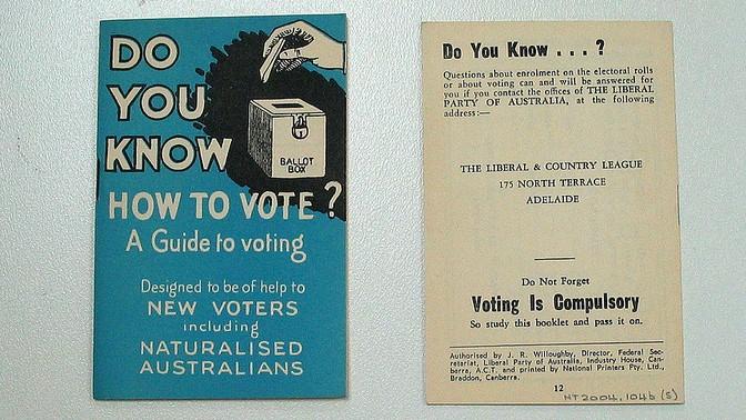 חוברת הדרכה לבחירות באוסטרליה (צילום: מוזיאון ההגירה באדלייד, רשיון cc-by-nc)