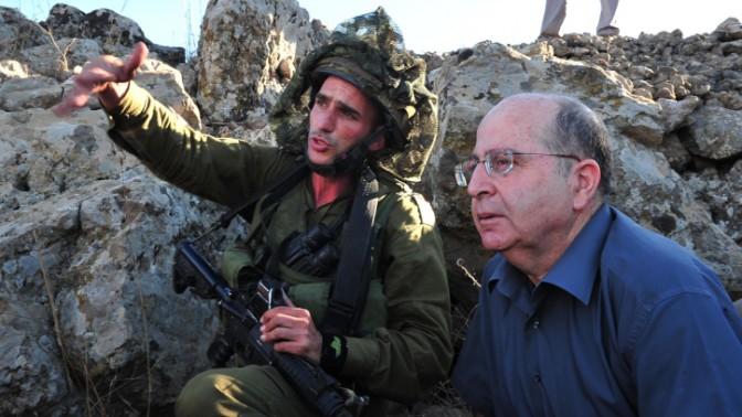 """שר הביטחון משה (בוגי) יעלון בביקור היום באימון צה""""לי (צילום: אריאל חרמוני, משרד הביטחון)"""