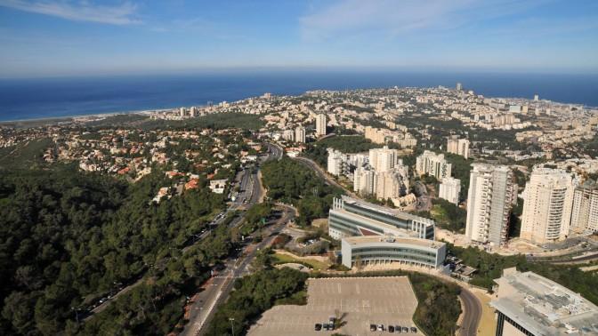 העיר חיפה, מבט מבניין האוניברסיטה (צילום: שי לוי)