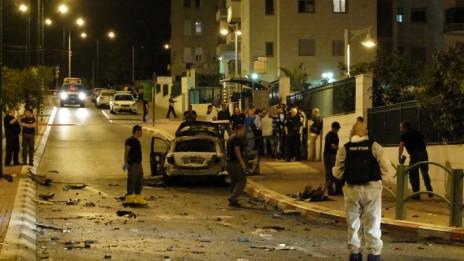 זירת הפיצוץ באשקלון, 2.11.13 (צילום: דוד בוימוביץ)
