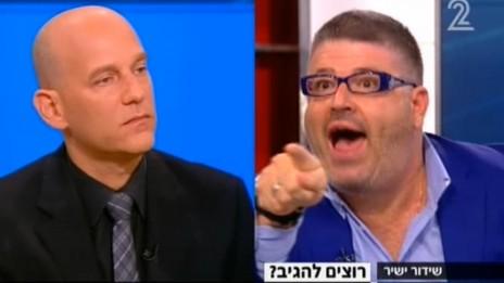 """רני רהב וגיא פלג, """"פגוש את העיתונות"""" בערוץ 2, 16.11.13 (צילום מסך)"""