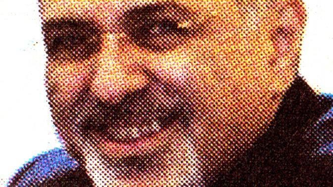 """שר החוץ האיראני מוחמד ג'וואד זריף, בתמונה המתפרסמת מתחת לכותרת """"מפצחים את הגרעין"""". """"ידיעות אחרונות"""", 21.11.2013"""
