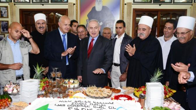 """ראש הממשלה בנימין נתניהו נפגש עם אנשי דת דרוזים, 25.4.13 (צילום: משה מילנר, לע""""מ)"""