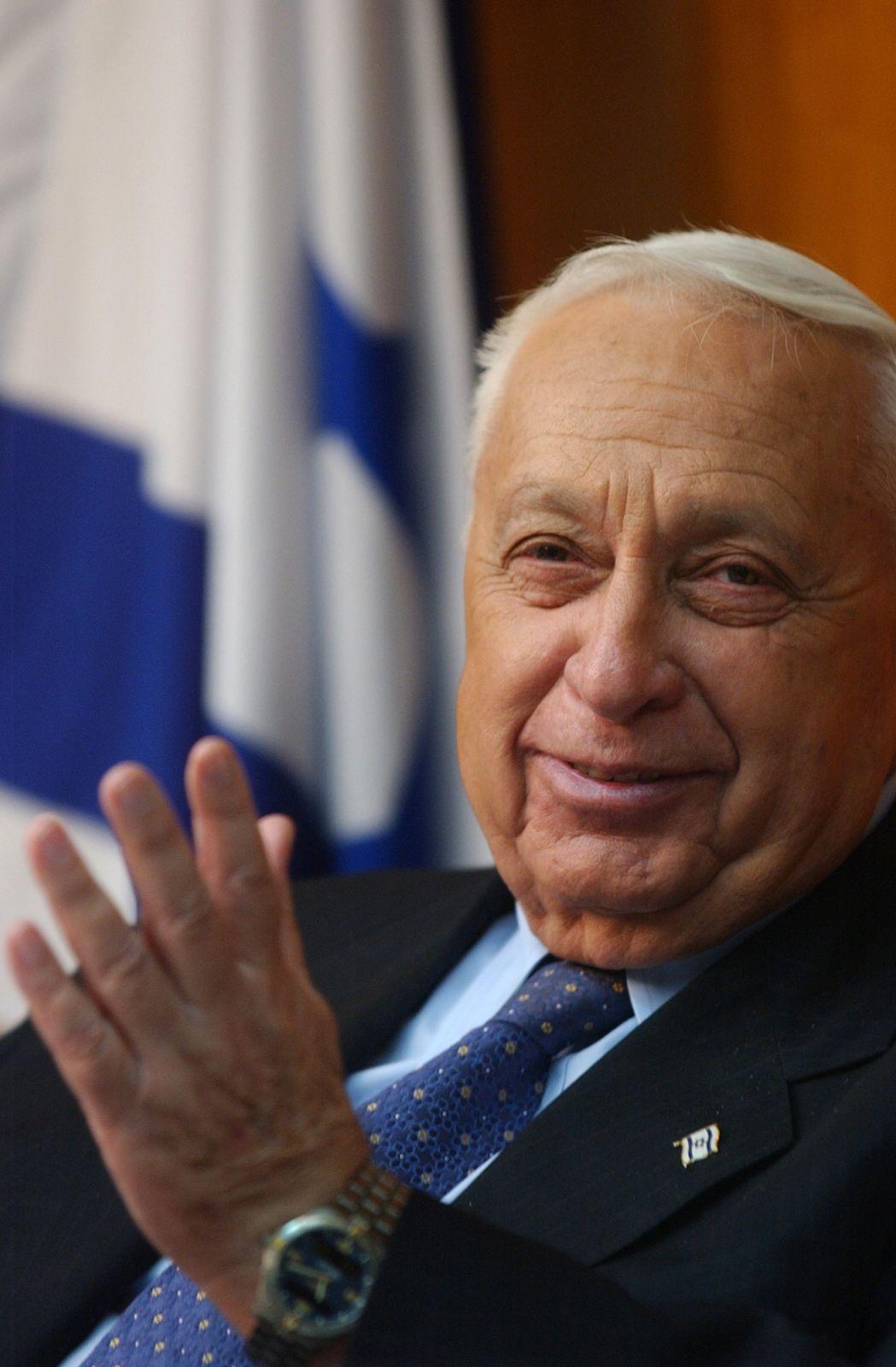 אריאל שרון, ראש הממשלה, 2004 (צילום: שרון פרי)