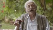 """שחקן מבטא את המלה """"חזק"""" בפרסומת לצה""""ל, דצמבר 2013 (צילום מסך)"""