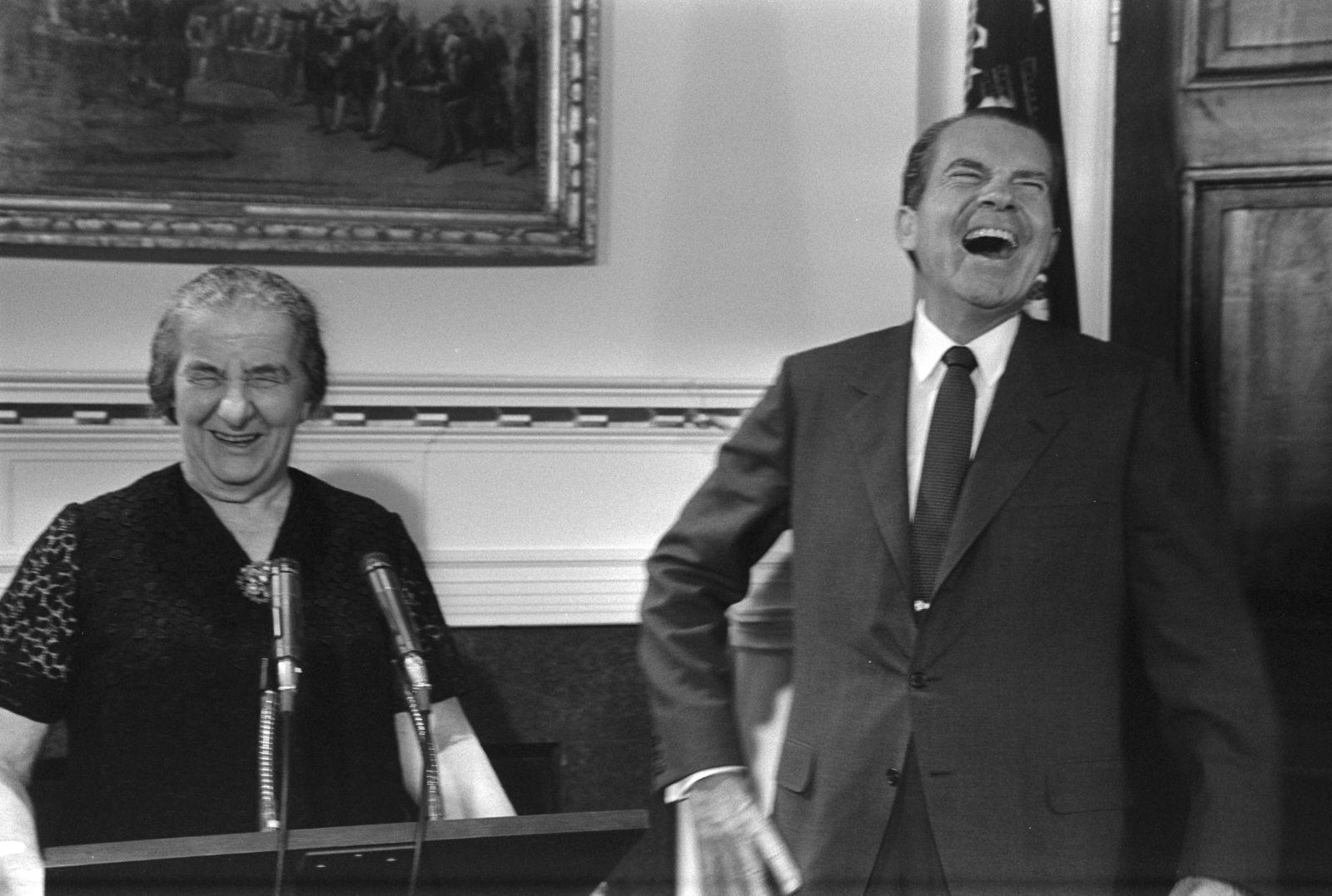"""גולדה מאיר וריצ'רד ניקסון, הבית-הלבן, 26.9.69 (צילום: משה מילנר, לע""""מ)"""