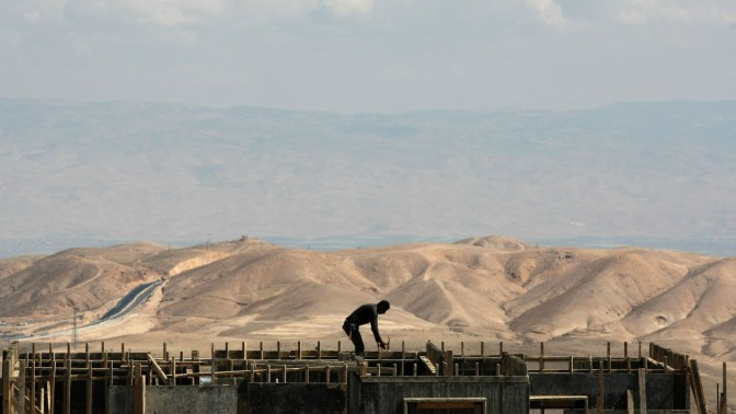 פועל בניין (צילום: קובי גדעון)