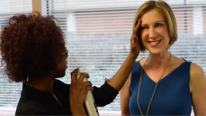 קרלי פיורינה מתכוננת לראיון ב-ynet (צילום מסך)