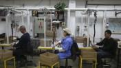 עובדים במפעל סודה-סטרים באיזור התעשייה מישור-אדומים, 2.2.14 (צילום: נתי שוחט)
