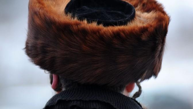 חרדי חבוש שטריימל. אוקראינה, 27.12.13 (צילום: מנדי הכטמן)
