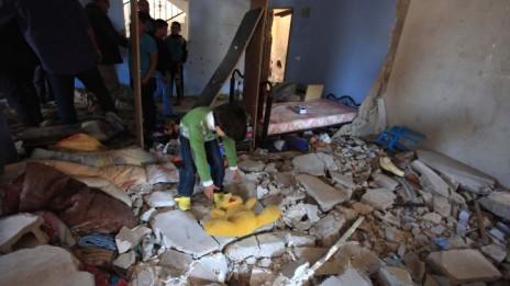 הבית שבו התבצר חמזה אבו-אלהיג'א לאחר שכוחות ישראל עזבו את המקום, 22.3.14 (צילום: עיסאם רימאווי)
