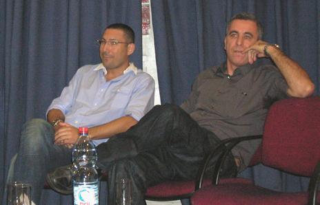 """סמי פרץ (מימין) ומוטי שרף (צילום: """"העין השביעית"""")"""
