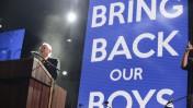 הנשיא המיועד רובי ריבלין בעצרת בכיכר רבין בתל-אביב בהשתתפות משפחות הנערים החטופים, 29.6.14 (צילום: תומר נויברג)