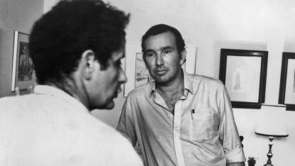 ירון לונדון והבמאי יצחק צפל ישורון (צילום באדיבות ההוצאה)