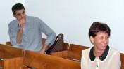 """ליאורה גלט-ברקוביץ' וברוך קרא באחד הדיונים בתביעה נגד """"הארץ"""", 2.11.2010 (צילום: """"העין השביעית"""")"""