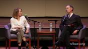 ג'יל אברמסון משוחחת עם דייוויד קאר (צילום מסך)