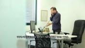 ערן טיפנברון, עורך ynet, מתוך סרטון היתולי פנימי של אתר ynet (צילום מסך)