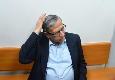 ראש עיריית רמת-גן, ישראל זינגר, בבית-המשפט. 15.12.14 (צילום: פלאש 90)