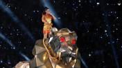 קייטי פרי רוכבת על נמר מכאני (צילום מסך)