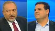איימן עודה (מימין) ואביגדור ליברמן בעימות בערוץ 2 (צילום מסך)