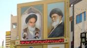 ציורי קיר של עלי חמינאי (מימין) והאייתוללה חומייני בעיר קום שבאיראן (צילום: David Stanley רישיון CC BY 2.0)