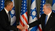 """בנימין נתניהו וברק אובמה לוחצים ידיים בירושלים, 20.3.13 (צילום: קובי גדעון, לע""""מ)"""