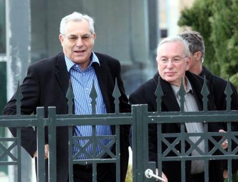 מוטי קירשנבאום וירון לונדון בכניסה למעון ראש הממשלה בירושלים, 27.1.2008 (צילום: יוסי זמיר)