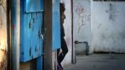 יצאנית ברחוב בתל-אביב (צילום: פלאש 90)