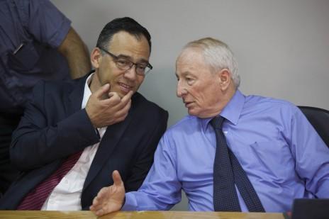 יהודה וינשטיין עם שי ניצן, במסיבת עיתונאים משותפת. ירושלים, 7.5.14 (צילום: יונתן זינדל)