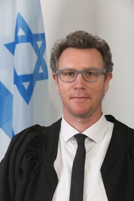 השופט ירון גת (צילום: אתר בתי-המשפט)