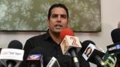 מני נפתלי במסיבת עיתונאים לאחר שזכה בתביעה נגד ראש הממשלה בנימין נתניהו, 10.2.16 (צילום: פלאש90)
